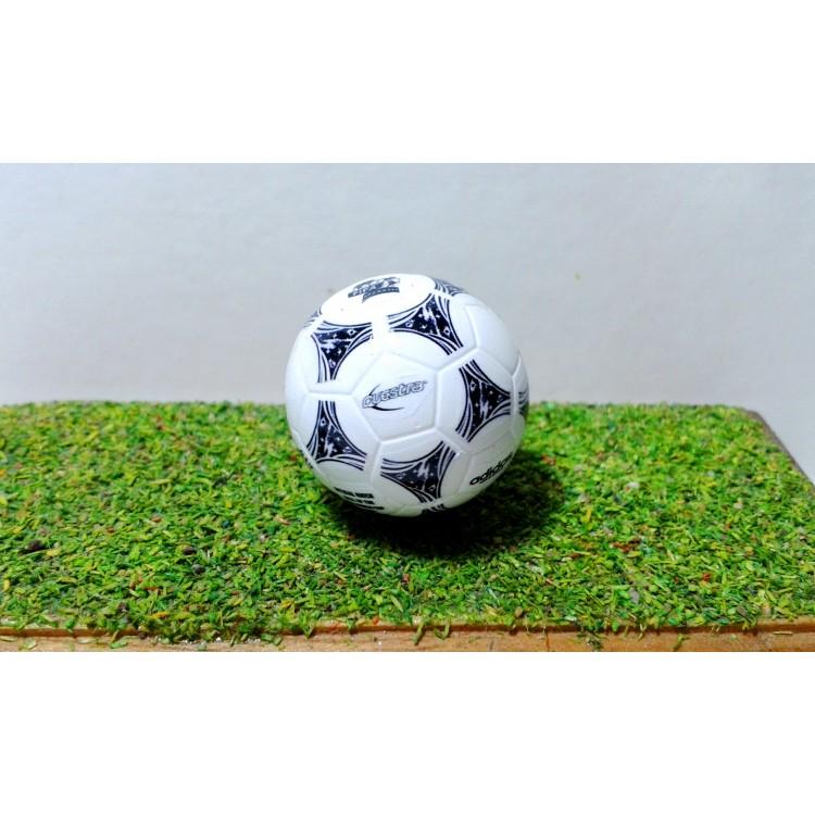 no relacionado Mujer micrófono  Subbuteo Andrew Table Soccer World Cup 1994 U.S.A Adidas Questra official  ball